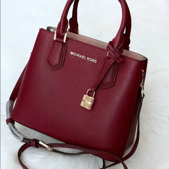 d74d397243470b Michael Kors Bags | Adele Md Messenger Leather | Poshmark